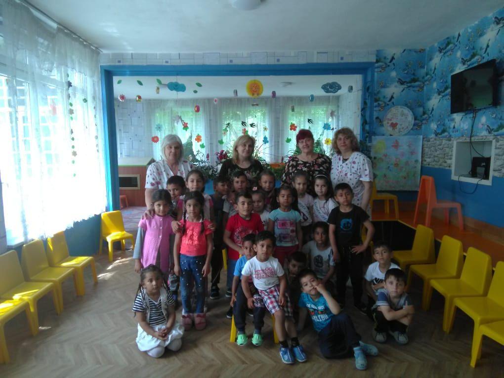 Тържество за изпращане на децата от смесената група в с.Голямо ново в първи клас - голяма снимка