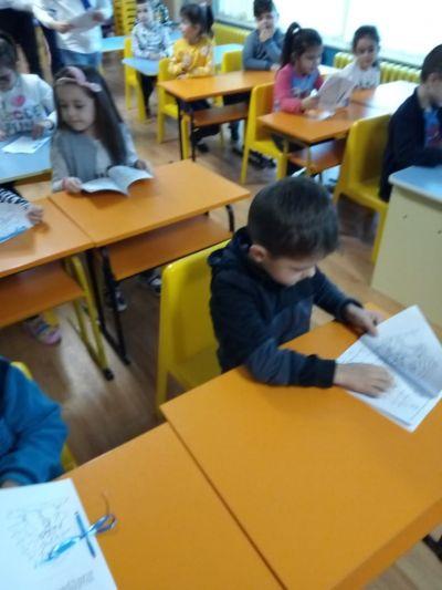Посещение на децата от ПГ6г. в Детския отдел на библиотеката - седмица на четенето - Изображение 3