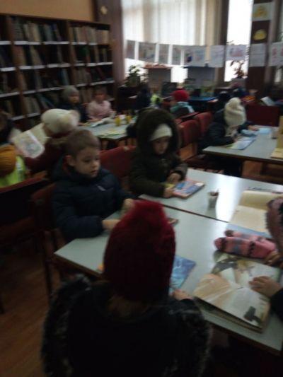 Посещение на децата от ПГ6г. в Детския отдел на библиотеката - седмица на четенето - Изображение 5